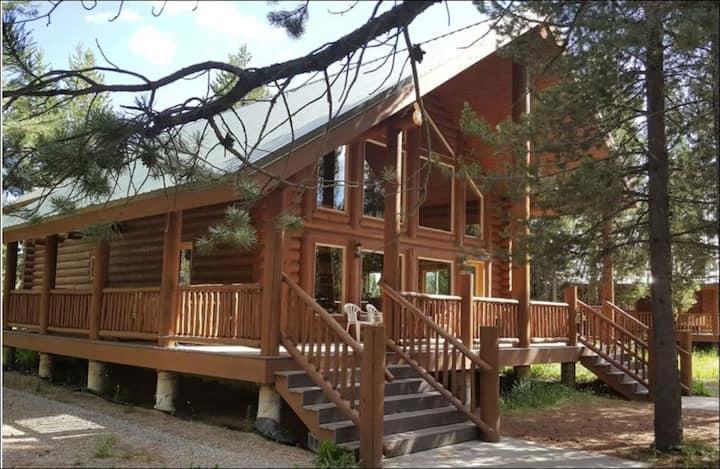 Lodgepole Cabin - 30 min from YNP Entrance!