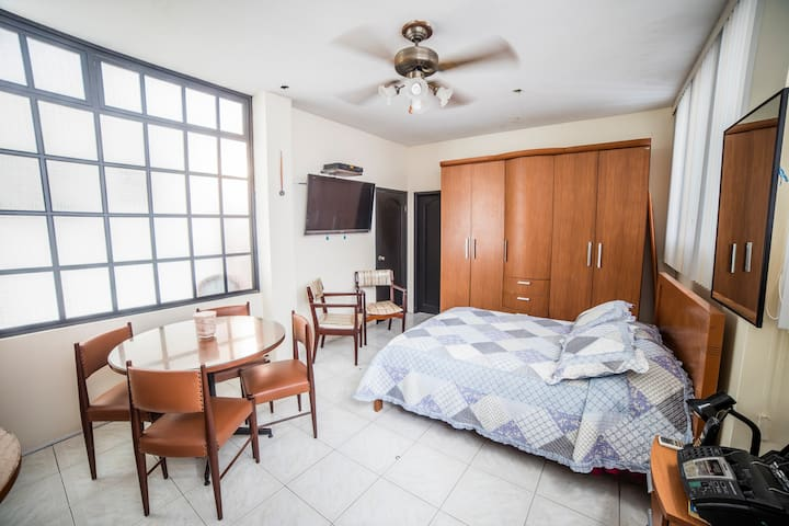 Private Room #1 | Cozy Home | Ideal Location - Guayaquil