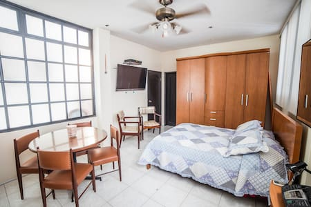 Private Room #1 | Cozy Home | Ideal Location - Guayaquil  - Casa