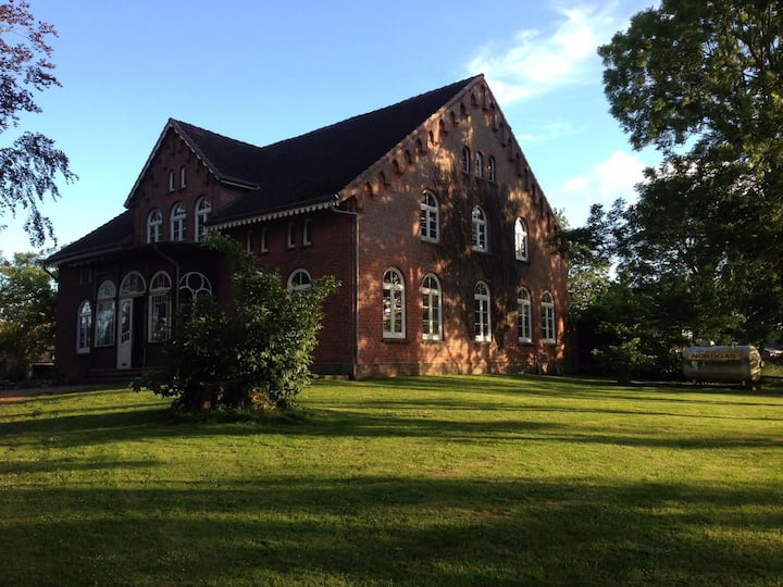 Eigene Wohnung auf ruhigem Hof in Nordseenähe