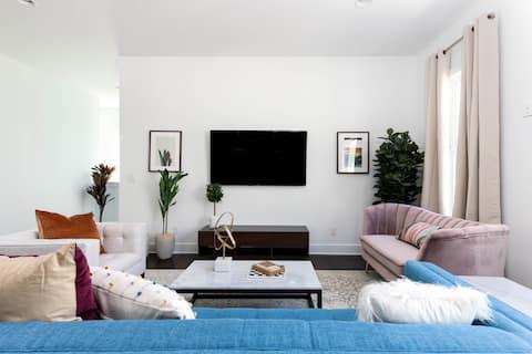 Domio | Sylvan Park | Elegant 8BR | 2 Houses