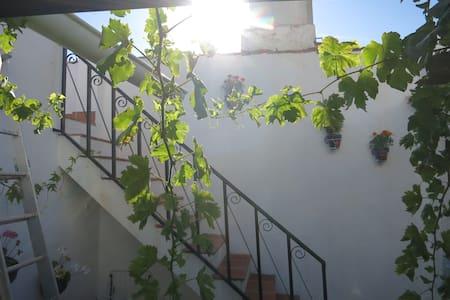 Andalusian charm  Malaga Mountains - Colmenar - บ้าน