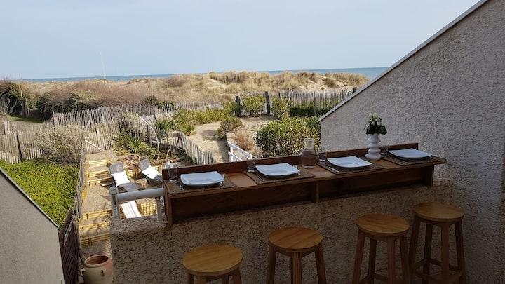 BEACH HOUSE vue mer et accès direct à la plage