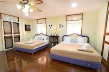 2 king size beds
