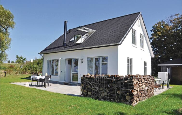 Holiday cottage with 3 bedrooms on 128 m² in Aabenraa