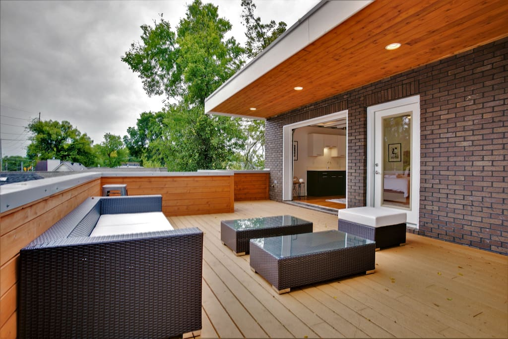 New modern 5br 3 5ba home w roof deck ping pong houses for New modern homes nashville tn
