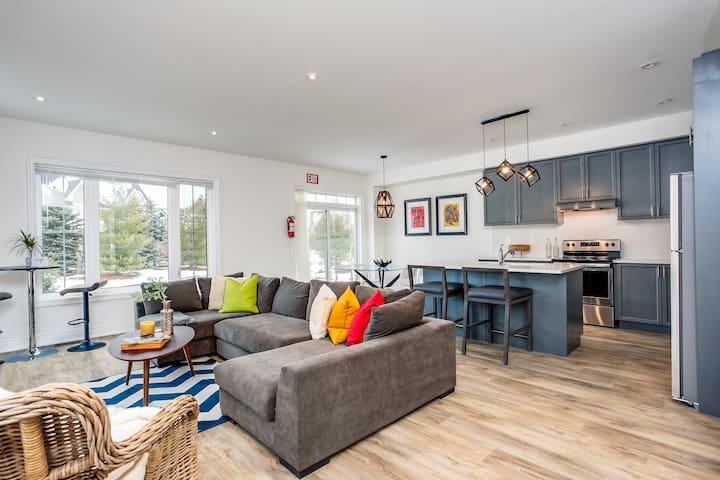 Luxury 4 Bedroom Blue Mountain Home (69937)