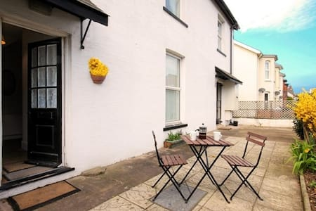 2 minutes from a sandy beach - Exmouth - Haus