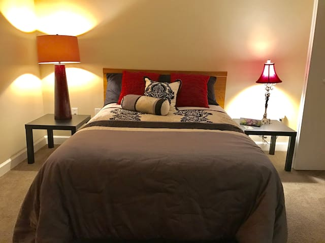 PrivateRoom/PrivateBath/Train/GaDome/Dwntwn - Atlanta - Apartment