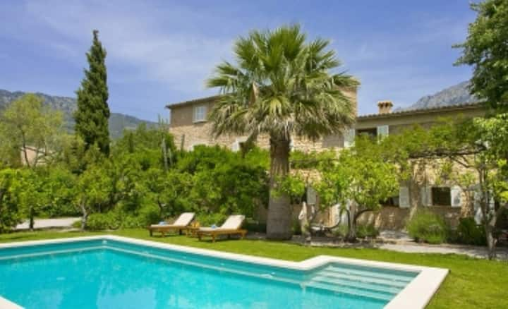 Lovely country house in Soller.