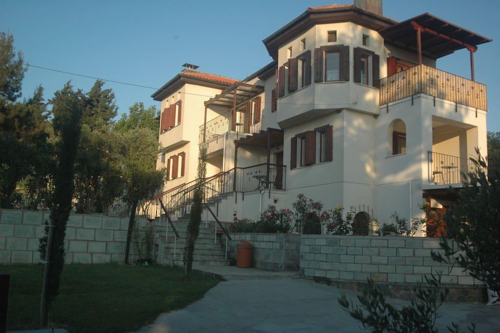 Villa im Pilionstil
