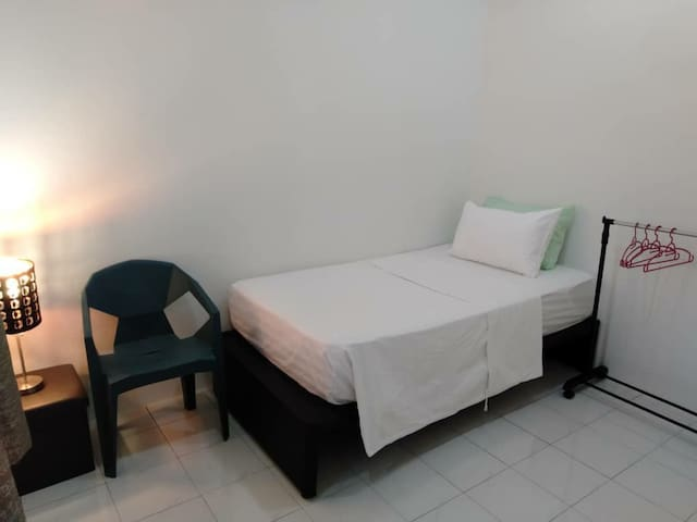 Nomad Dream - Single Room Fast Internet 100 mbp