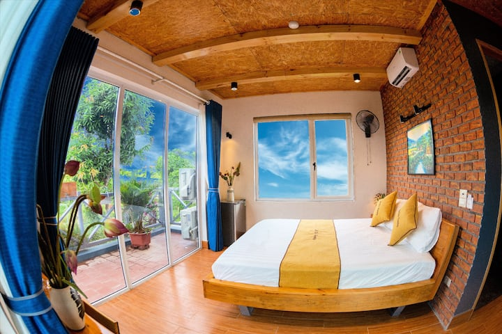 2 private double room with mountain view_breakfast
