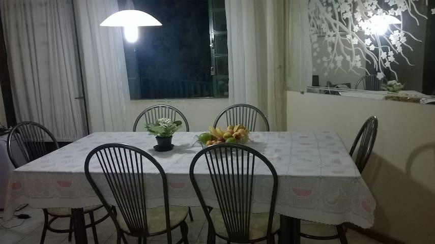 Apto Aconchegante, Arejado,  e Espaçoso c/ WIFI!!! - Campo Grande - Apartment