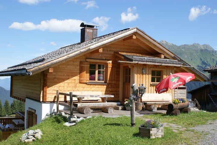 Appartement pour 8 personnes avec balcon à Sankt Gallenkirch