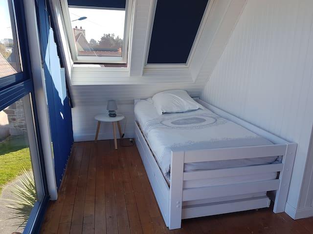 Chambre 2 lit gigogne