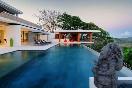 Designer Villa & Private Luxury Car - Pujut - 別荘