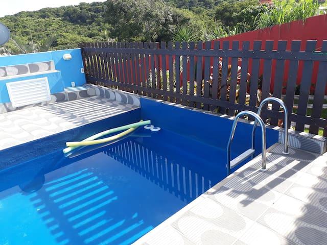 Casa em Cabo Frio com piscina e a 10min da praia!