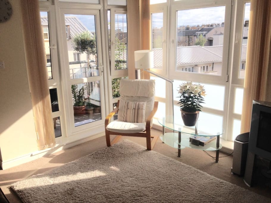 Modern Dble Bedroom With Private Bathroom Parking Flats For Rent In Edinburgh Scotland