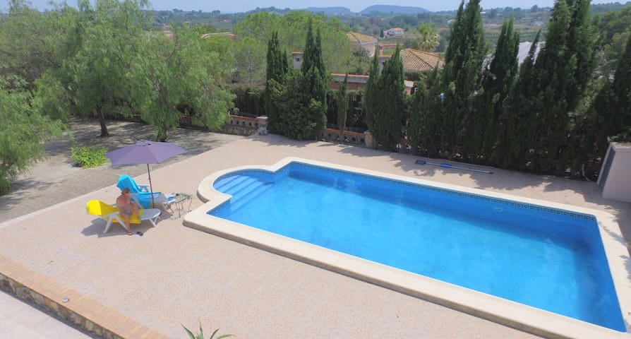 Villa own pool, Turis,Valencia,Wifi,BBQ, sea-49 km