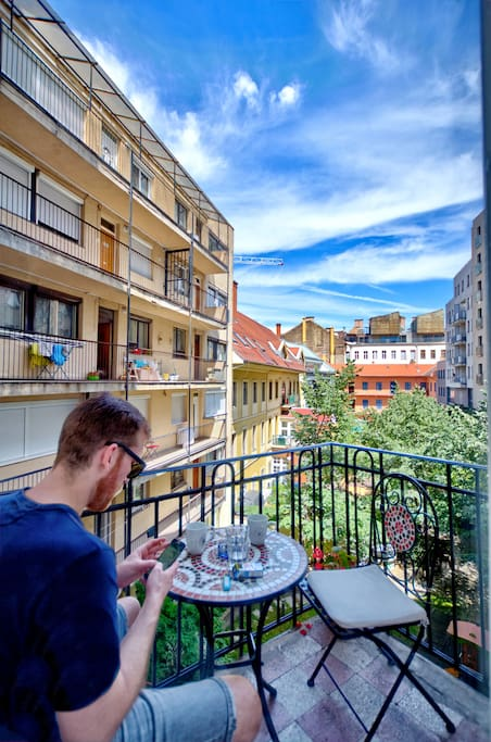 """""""If you're going to Budapest I highly recommend to choose this place. The location is just right in the heart of the city - but don't worry about the noise, the apartment is perfectly quiet."""" - Kateřina, *****"""
