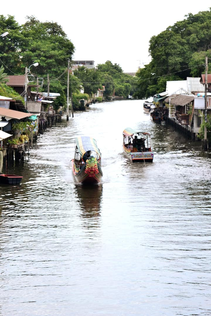 experience boat tour
