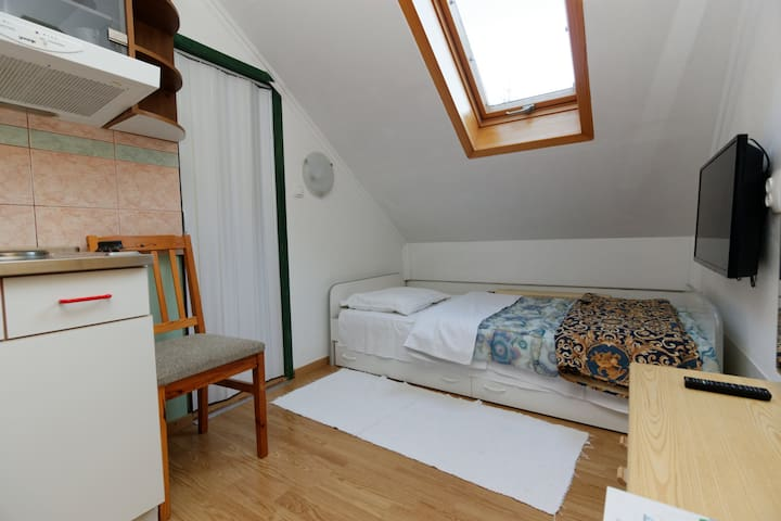 Single bedroom Guesthouse Pod Orehi - Kraberk - Guesthouse