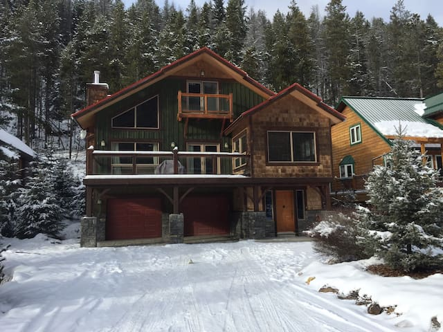 Beautiful 3 bedroom mountain home