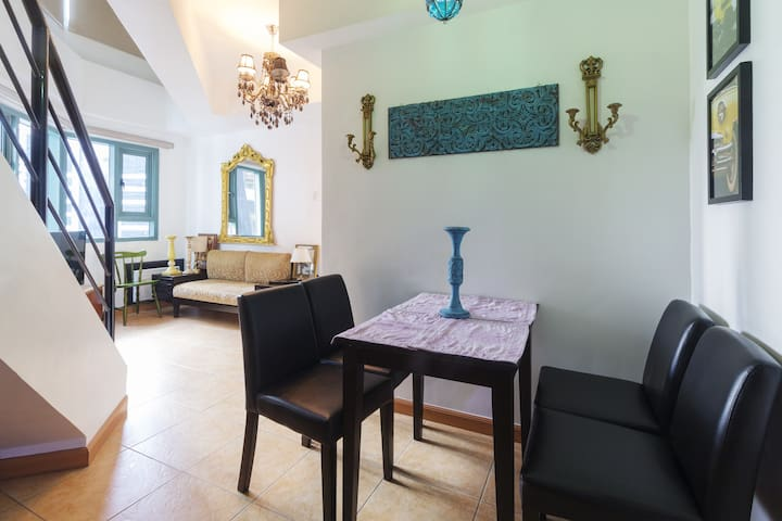 Dining area seating 4 persons comfortably