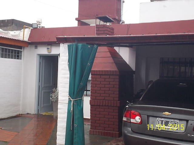 Dormit. privado en B° residencial - Córdoba - Rumah