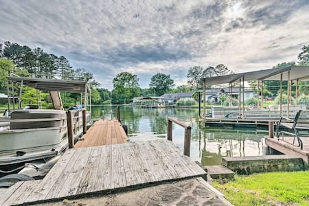 Rustic Cabin w/ Hot Tub & Dock on Lake Hamilton!
