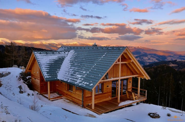 "Summer & Winter Mountain Chalet ""Magical cottage"""