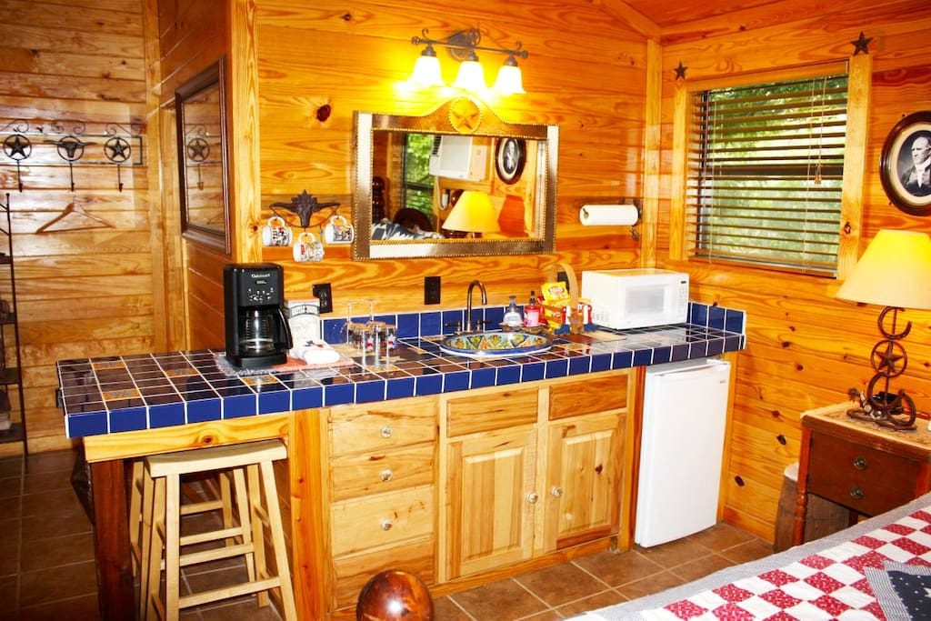 Double u barr ranch texan cabin granjas en alquiler en for Texas ranch piani casa con portici
