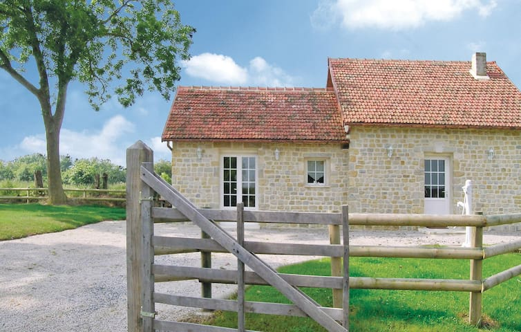 Holiday cottage with 2 bedrooms on 87 m² in La Cambe