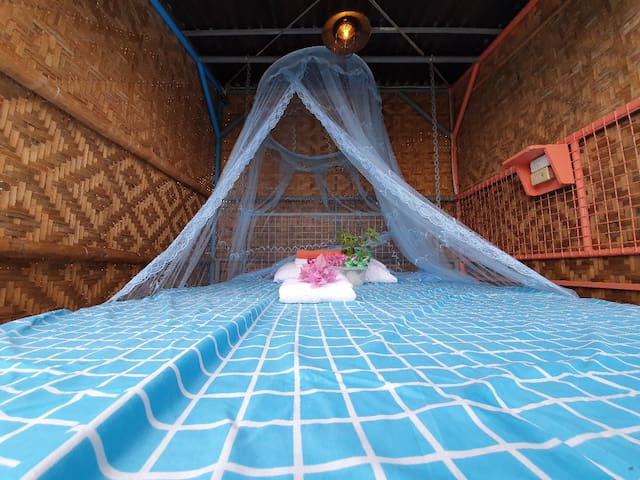 Ragga Marvs private cabanas in busay