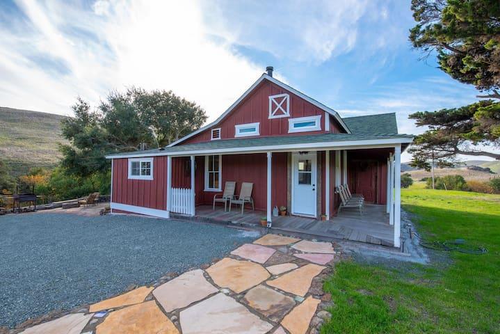 HISTORIC FARM HOUSE ON 400 ACRE RANCH
