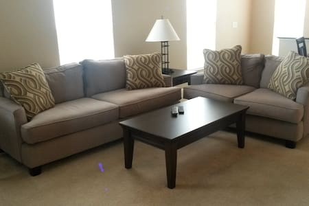 Hotel ALTERNATIVE ~ Furnished + COZY! No hassle! - Columbus - Apartment