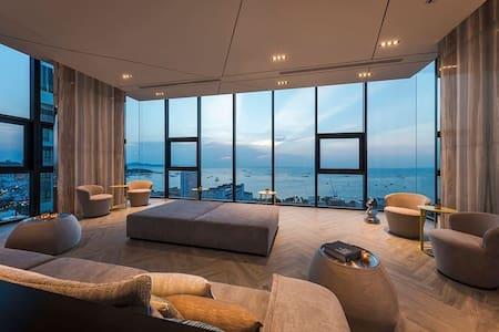 芭提雅base公寓正海景两居室,全方位观海景!给您一个完美假期!观看房间视频加V:Turuiwen-