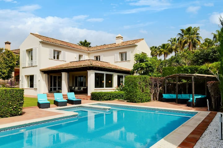 Luxurious Villa in Sotogrande with Swimming Pool