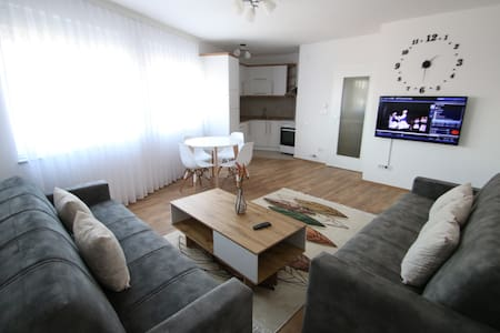 Spacious and close to the Bus Station and Old Town