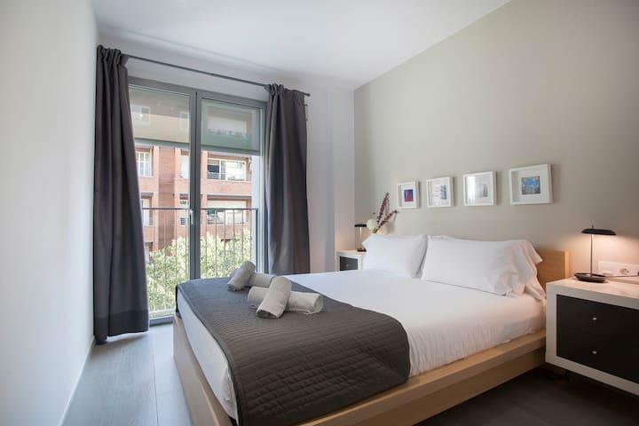 Gaudi Sagrada Familia Apartment - 1131