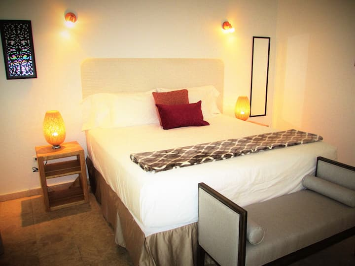 Sea Breeze King bed Suite
