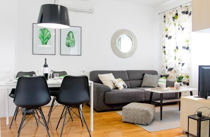 Serena II Apartment - modern, cozy, view & parking