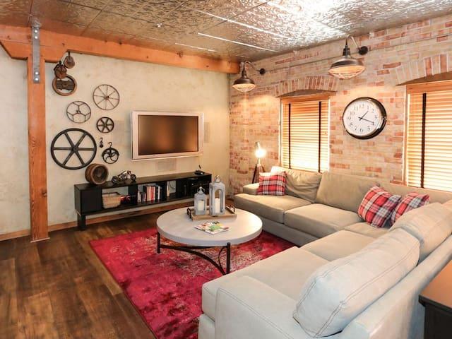 Studio Loft in the Heart of Salt Lake City.