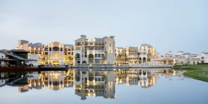 Luxury modern apartment in 5 star La Torre Golf