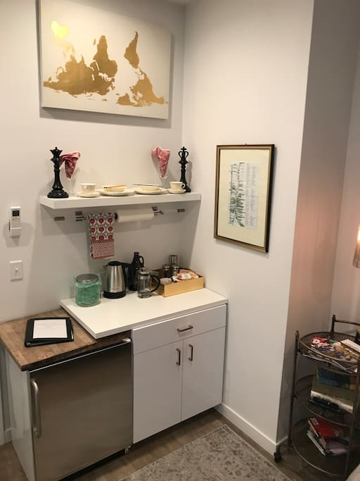 Mini kitchenette with surprise treats, coffee, tea and some basic pantry items