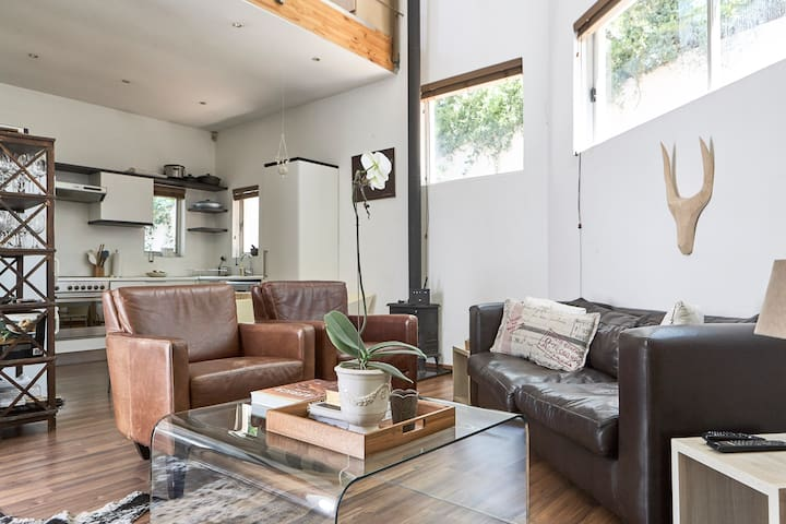 Modern forest loft in central location