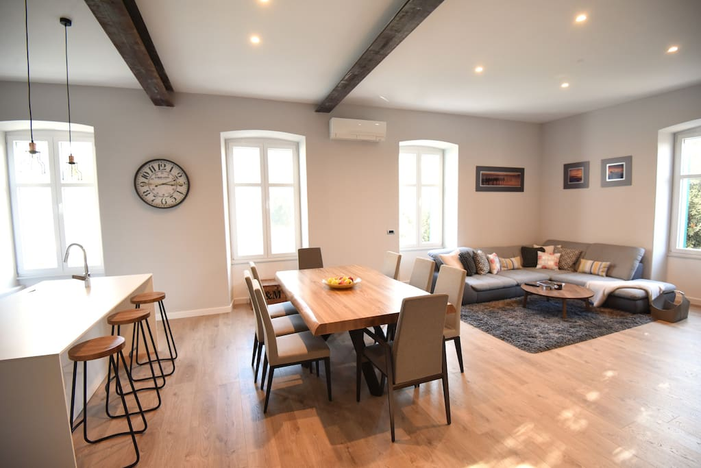 Living & Dining Space 2