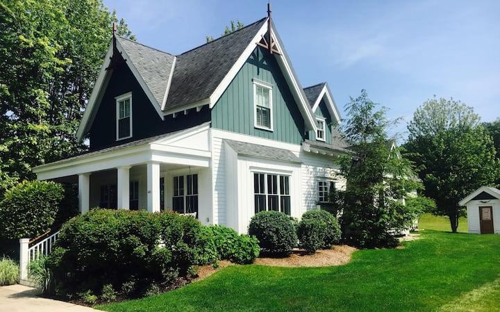 Custom In-Town Luxury Cottage