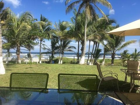 Excellent House on the Beach in Costa Esmeralda